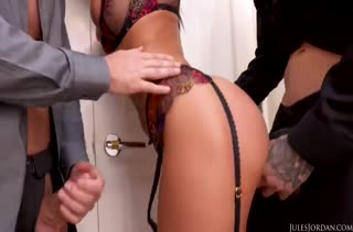 Порно горячей бабенки с большими сиськами 1251