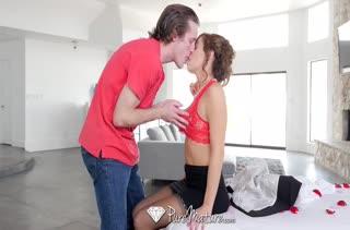 Классное порно видео с фигуристой мамашей 717