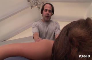 Порно видео на мобильный телефон в массажном кабинете 2795