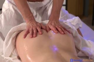Попробовали классный секс массаж и это было круто 529