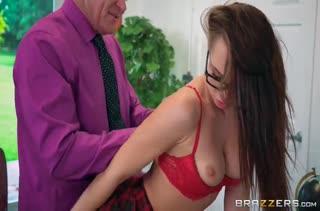 Оральный секс с обладательницей рабочего ротика 1996