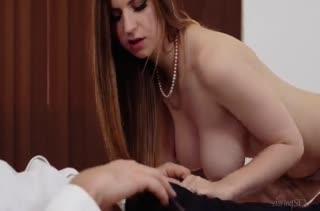 Классное порно на телефон с минетчицами 393