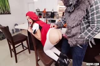 Классный секс с горячей студенткой бесплатно 2958