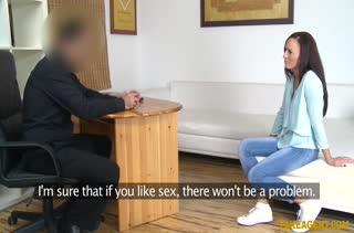 Чика разделась и ей провели секс кастинг 751