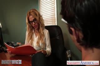 Горячий секс прямо в офисе 2321 скачать на телефон