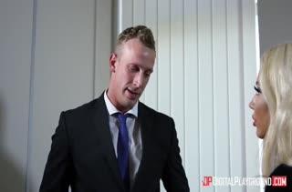 Порно видео на работе бесплатно в MP4 2927