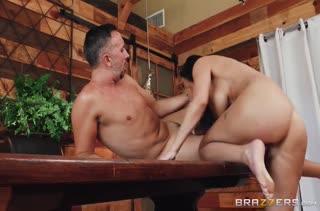 Порно видео на работе бесплатно в MP4 2931