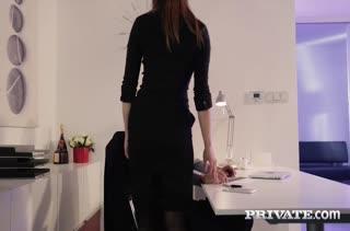 Порно видео на работе бесплатно в MP4 2938