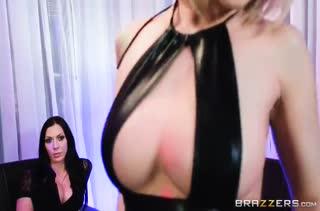 Порно с опытными дамочками скачать бесплатно 2437
